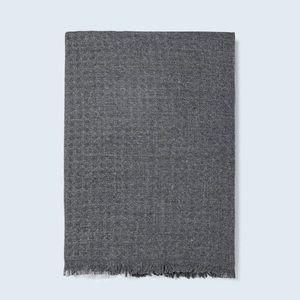 NWT. Zara Gray Textured Flowing Scarf.